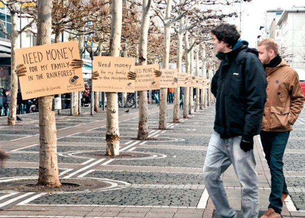 This isn't your everyday beggar! Mother Earth needs help